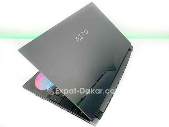 Gigabyte Aero OLED i9 - RTX 2080 image 4