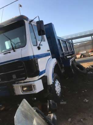 Camion 10 roues image 3