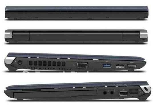 Toshiba R930 Core i5 image 2