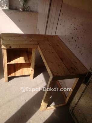 Table angulaire avec rangement image 2