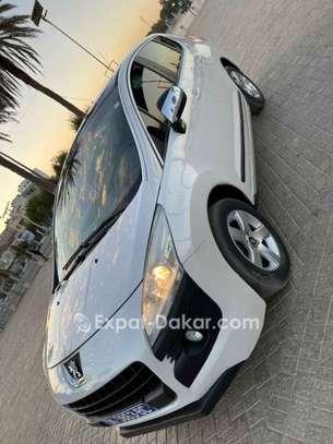 Peugeot 3008 2011 image 1