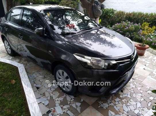 Toyota Yaris 2014 image 2