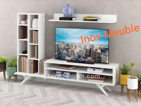 Table TV simple ou avec étagère murale image 4