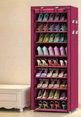 Range chaussures en tissu image 2