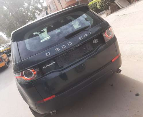 Land Rover Discovery image 4
