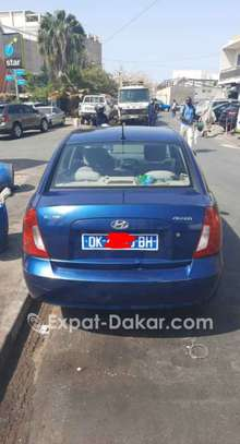 Hyundai Accent 2010 image 3