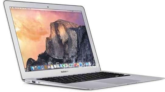 Apple  Macbook Air  1.8 image 1
