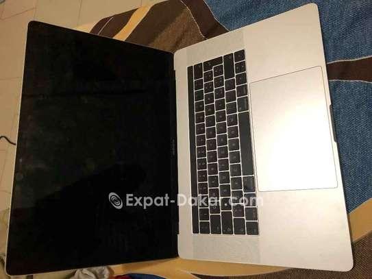 MacBook Pro Touchbar 15.6 pouce  i7 année 2017 image 2