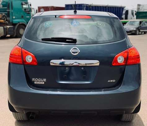 Nissan Rogue 2014 version 4x4 Sport image 4