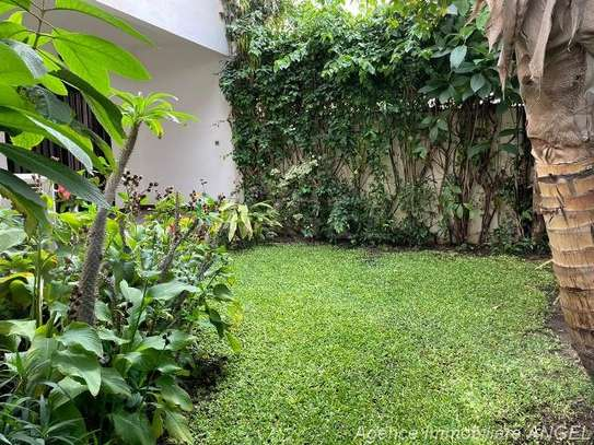 Belle villa avec jardin aux Almadies image 7