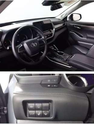 Toyota highlander xle image 3