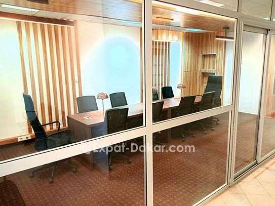 Location de bureau meublé image 2