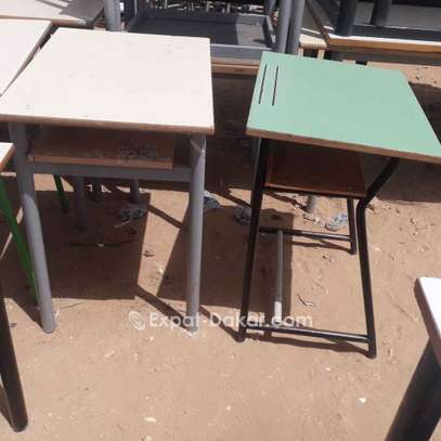 Tables et chaises pour les écoles image 3