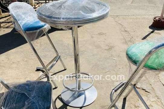 DesChaises et tables lesvendres séparés aussi image 3