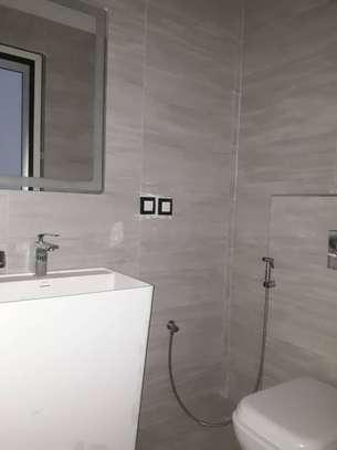 Appartement F4 à louer aux Almadies image 10