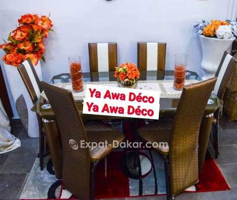 Table à manger avec plateau tournant image 5