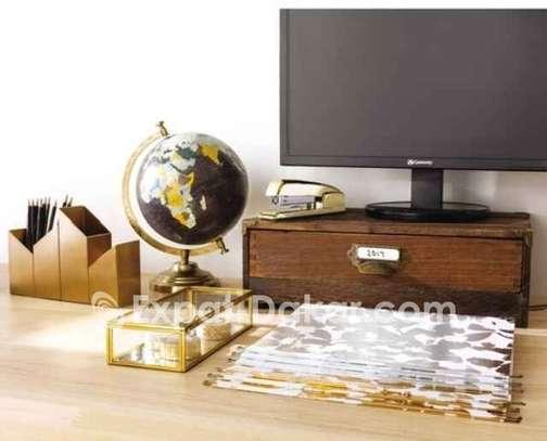 Support de moniteur en bois avec tiroir image 2