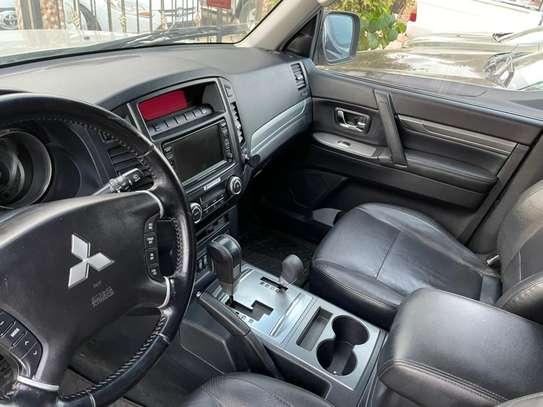 Mitsubishi Pajero 2013 image 2