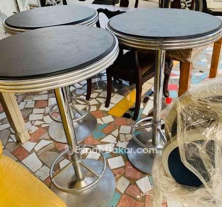 DesChaises et tables lesvendres séparés aussi image 2