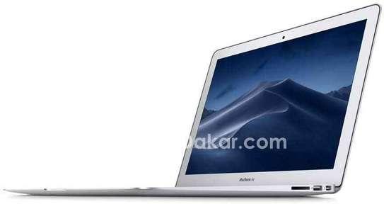 MacBook Air 2017 image 2