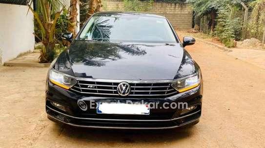 Volkswagen Passat 2015 image 2