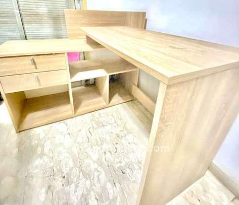 Magnifique bureau en excellent état avec rangement image 2