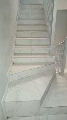 Appartement spacieux et récent à louer à Keur Massar image 3