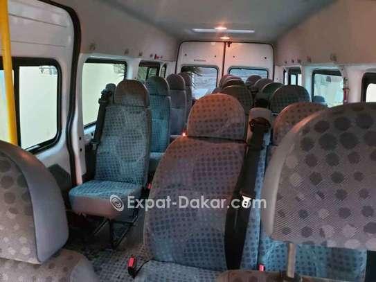 Location véhicule mini car Ford transit image 4