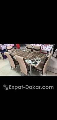 Bonjour je vends tables à manger 6 places image 1