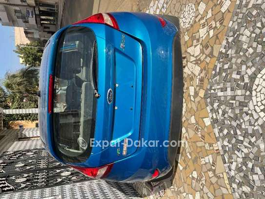 Ford Fiesta 2012 image 2