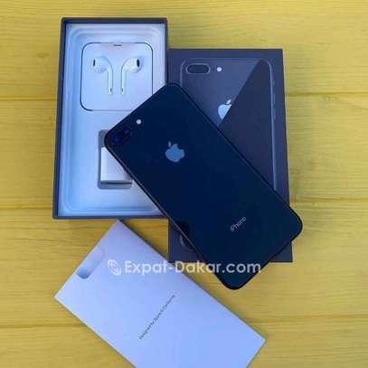 Iphone 8 Plus image 2