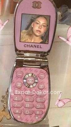 Téléphone miniature Chanel pour femme image 6