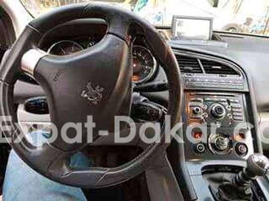 Peugeot 5008 image 2