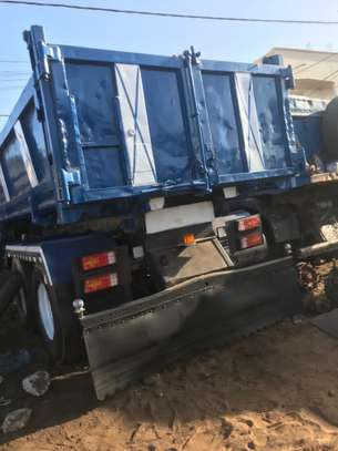 Camion 10 roues image 2