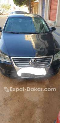 Volkswagen Passat 2010 image 1