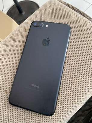 iPhone 7 Plus 32 gigas image 3