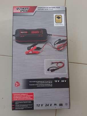 Chargeur de batterie pour voiture 12V/24V image 2