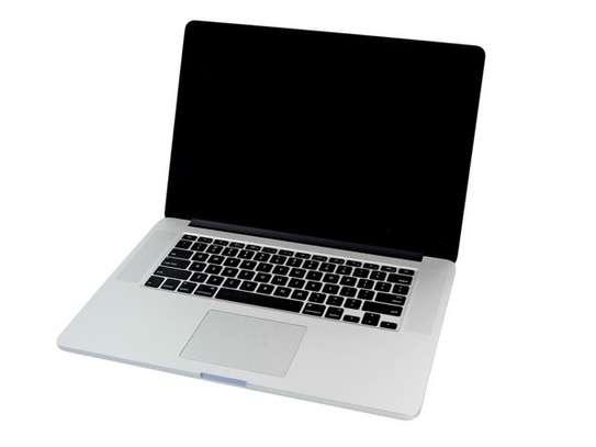 MacBook Pro Retina 15  mi 2015 image 1