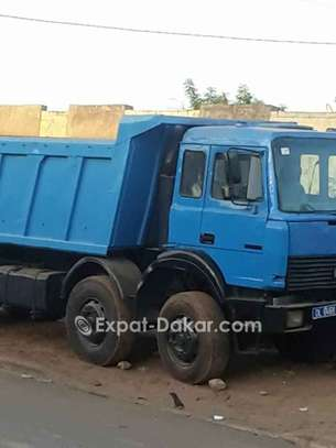 Camion benne Iveco 12 roues, 18m3 image 2