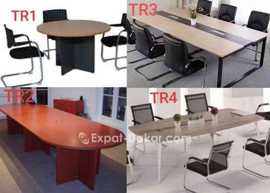 Table de réunion de 6,8,10,12 image 1