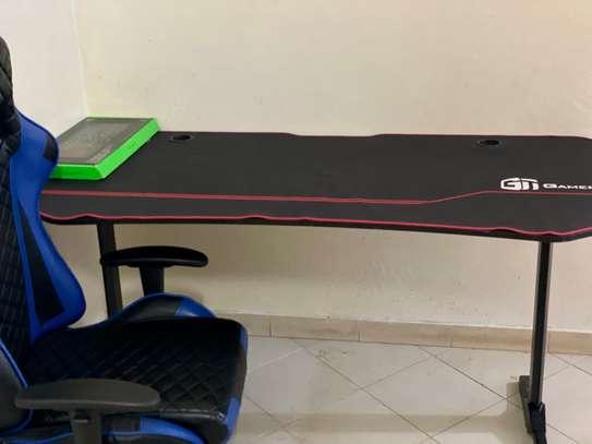 Table et fauteuil Gamer image 1