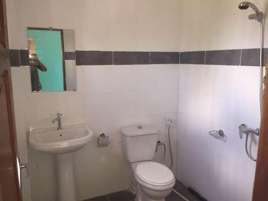 Appartement spacieux et récent à louer à Keur Massar image 5