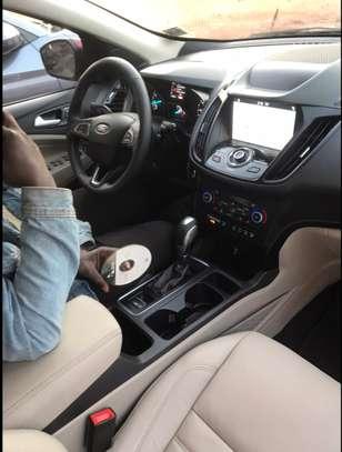 Ford Escape Titanium 2019 image 2