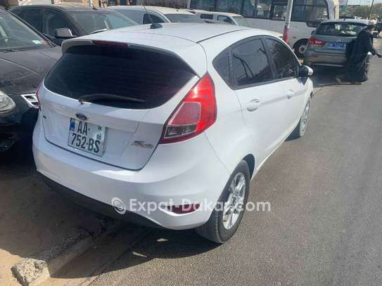 Ford Fiesta 2015 image 4