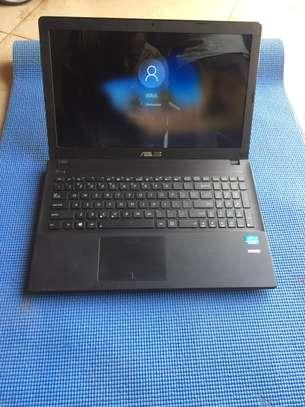 Vente  d'ordinateur portable  Asus image 1