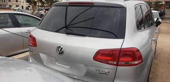 Volkswagen Touareg 2013 image 2