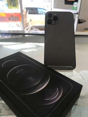 iPhone 12 pro 128gb noir image 1