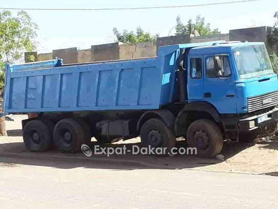 Camion benne Iveco 12 roues, 18m3 image 3