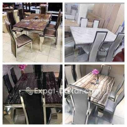 Table à manger en marbre avec 6 chaises image 1