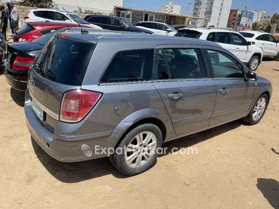 Opel Astra 2008 image 1